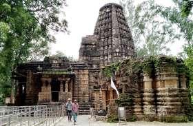 सावन में पहली बार विश्व प्रसिद्ध भोरमदेव मंदिर के गर्भगृह में जड़ा ताला, कोरोना संकट में केवल दर्शन की अनुमति