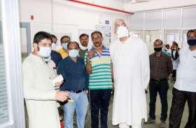 रायपुर से लौटते ही रात में अस्पताल पहुंचे स्वास्थ्य मंत्री, डॉक्टरों से मारपीट पर नाराजगी जाहिर कर दिए ये कड़े निर्देश