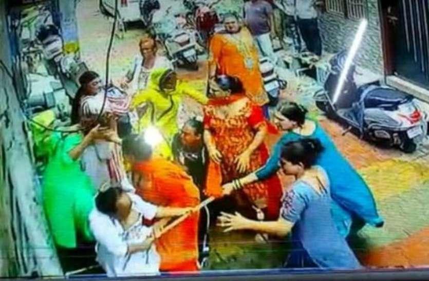Meerut: किन्नरों की पंचायत में वर्चस्व को लेकर हुआ खूनी संघर्ष, चार घायल