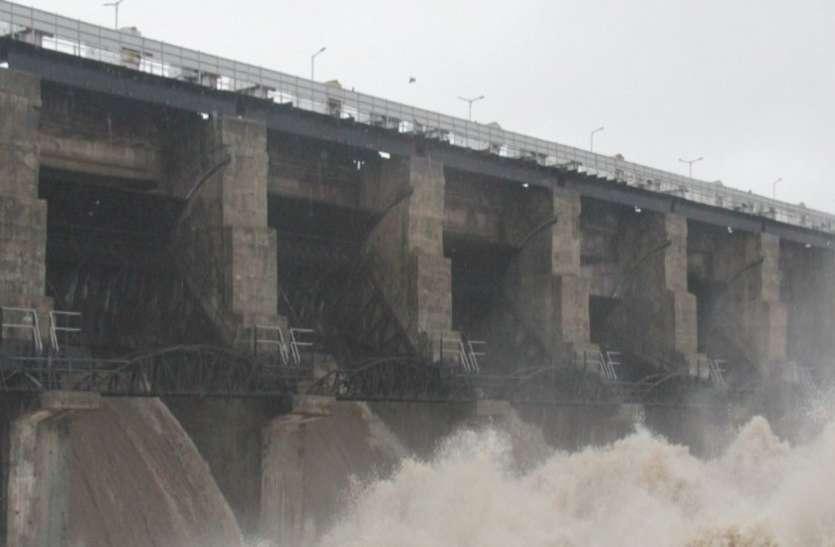 Gujarat Rain: राजकोट जिले में न्यारी डैम छलका, छह दरवाजे खोले
