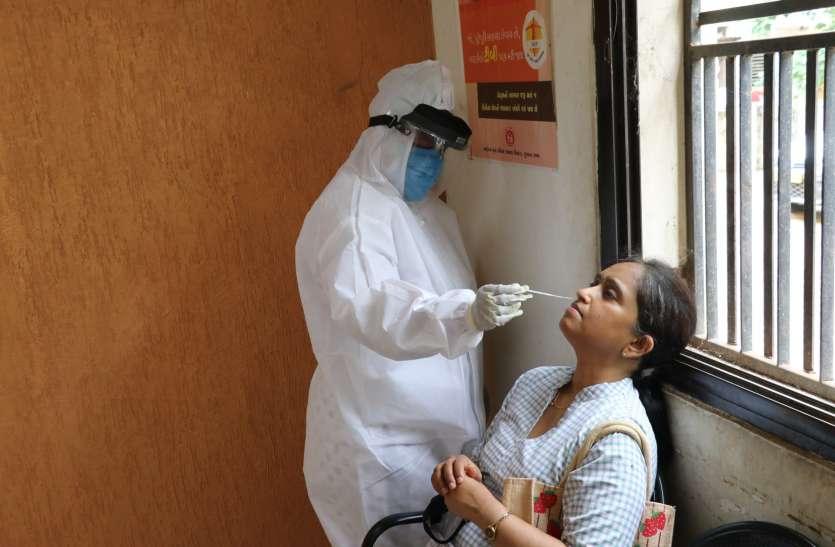 Gujarat: गुजरात में एक दिन में कोरोना पॉजिटिव मरीजों का फिर नया रिकॉर्ड, 779 नए मामले