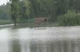 बाराबंकी में बाढ़, हर घंटे 3 सेंमी की रफ़्तार से बढ़ रहा पानी