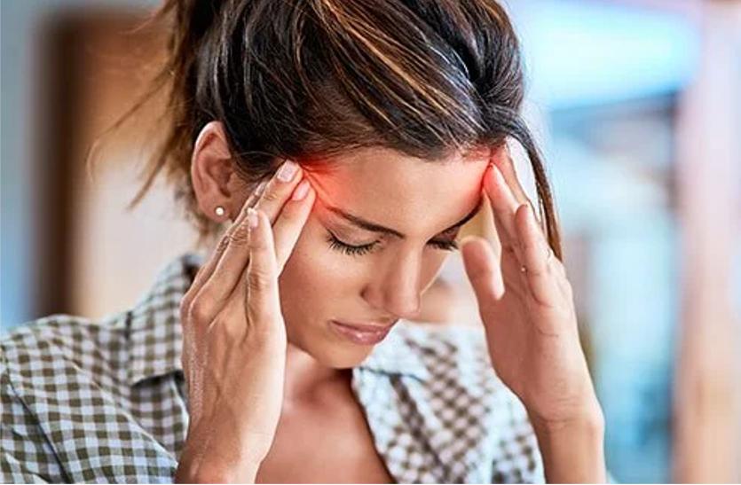 Headache : सिर दर्द से परेशान हैं तो पेनकिलर की जगह करें यह घरेलू उपाय