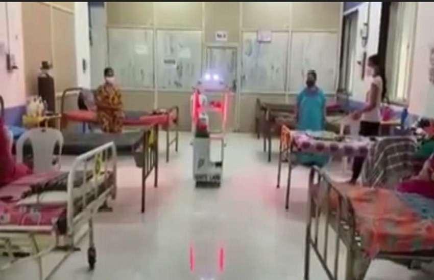Maharashtra News : कोरोना मरीजों को दवाई, भोजन-पानी मुहैया करा रहा रोबोट