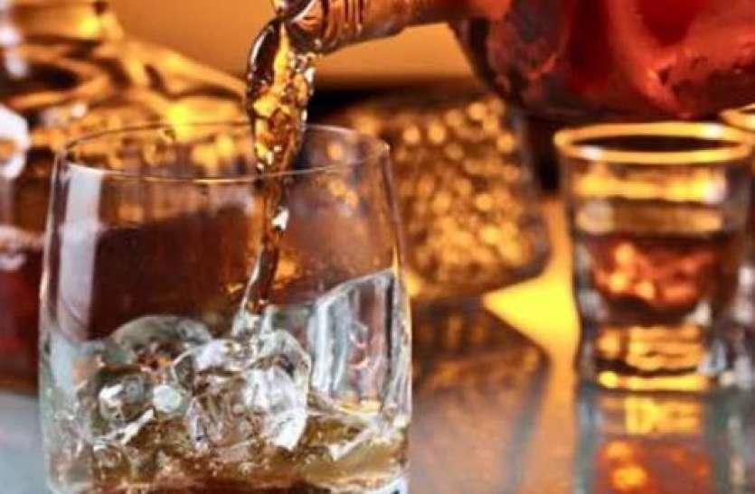 आरोपियों के कब्जे से 43 सौ की 43 लीटर शराब जब्त