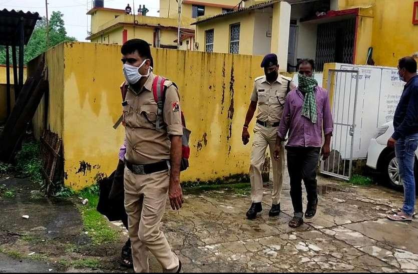 Breaking News: रेलवे के 2 बड़े अफसर समेत 7 गिरफ्तार, रेल आईजी-डीएसपी व क्राइम ब्रांच की टीम ने मारा छापा