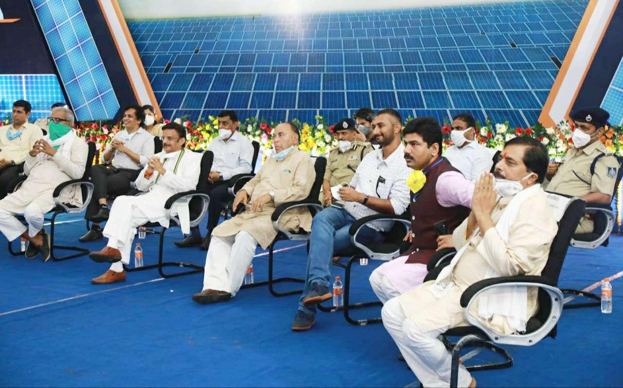 Prime Minister dedicates Rewa solar project to the nation