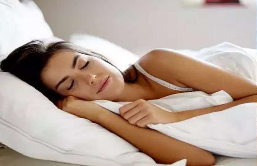 Drink For Good Sleep : इन 5 चीजों से मिलाकर तैयार करें यह ड्रिंक, वीकेंड पर थकान पल भर में होगी दूर