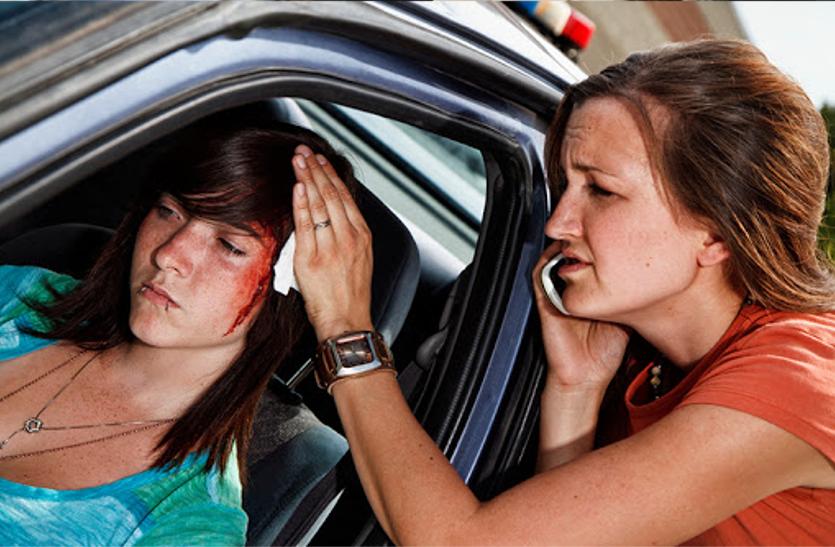 जानिए रोड एक्सीडेंट में सिर पर लगी हो चोट तो तुरंत क्या करें