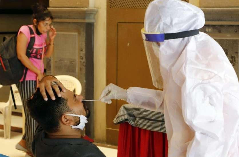 Coronavirus: गुजरात मे कोरोना पॉजिटिव के रिकॉर्ड 900 से ज्यादा नए मरीज, एक दिन में सर्वाधिक