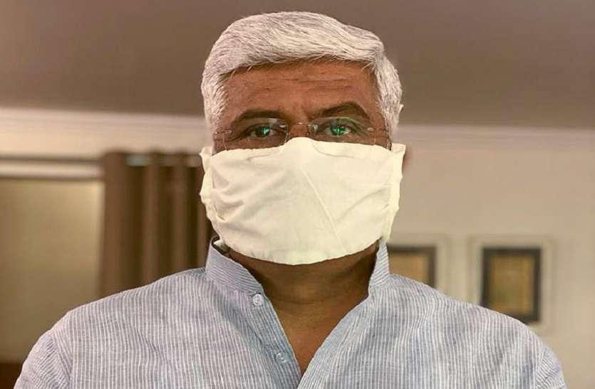 Gajendra Singh Shekhawat बोले, 'बेटे की हार का प्रतिशोध ले रहे Ashok Gehlot, रात 2 बजे मेरे घर भेजी राजस्थान पुलिस'