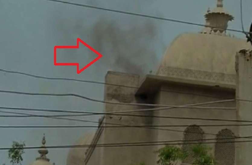 Rajasthan: जिस होटल में मुख्यमंत्री समेत विधायकों का जमावड़ा, वहां आग की आशंका ने मचा दिया हडकंप