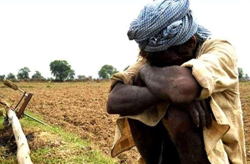 घटाओं की खामोशी, किसानों को बारिश का इंतजार