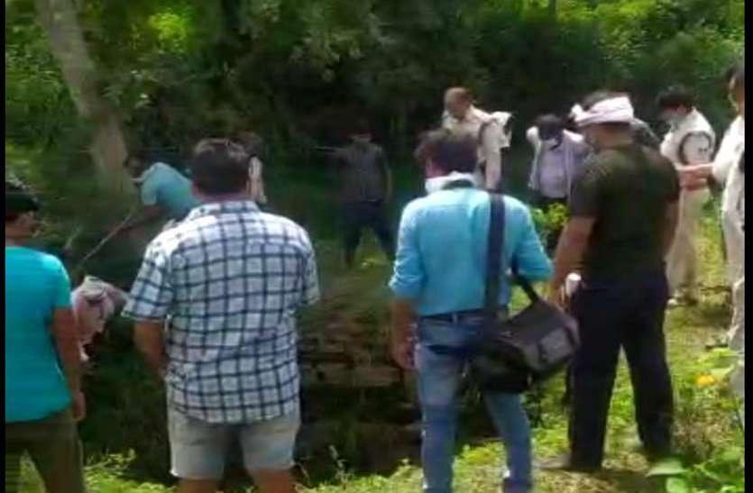 किसान की हत्या कर कुएं में फेंकी लाश, गांव में सनसनी, तीन अन्य की हुई मौत