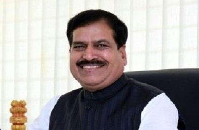 रेल राज्य मंत्री ने लगाया कांग्रेस पर 'गंदी राजनीति' का आरोप