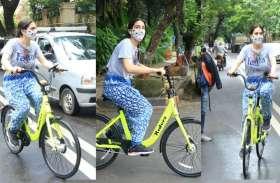 PHOTOS : साइकिलिंग करने निकली सारा अली खान, फोटोग्राफर्स को देखकर लगाई रेस
