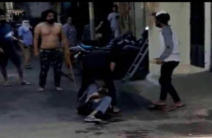 ATTACK : दो जनों ने धारदार हथियारों से मनपा के सफाई कर्मी पर किए दर्जनों वार