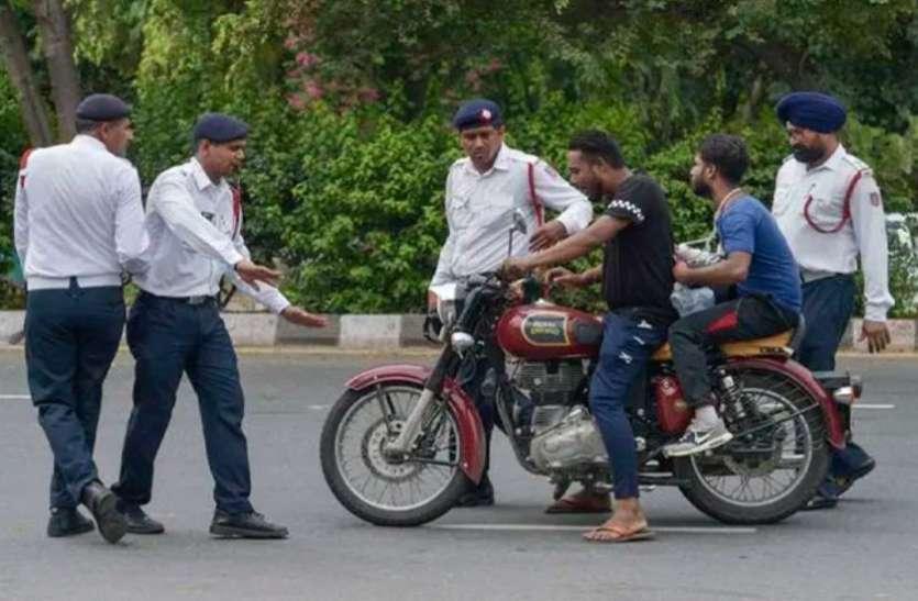 कोटा में काटा मोटरसाइकिल चालक का 50 हजार का चालान