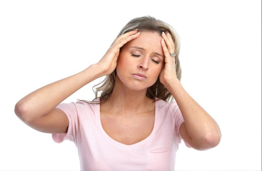 हीमोग्लोबिन की कमी के लक्षण - हाथ-पांव में सूजन, एकाग्रता का अभाव, जल्दी थकना व सांस फूलना अादि