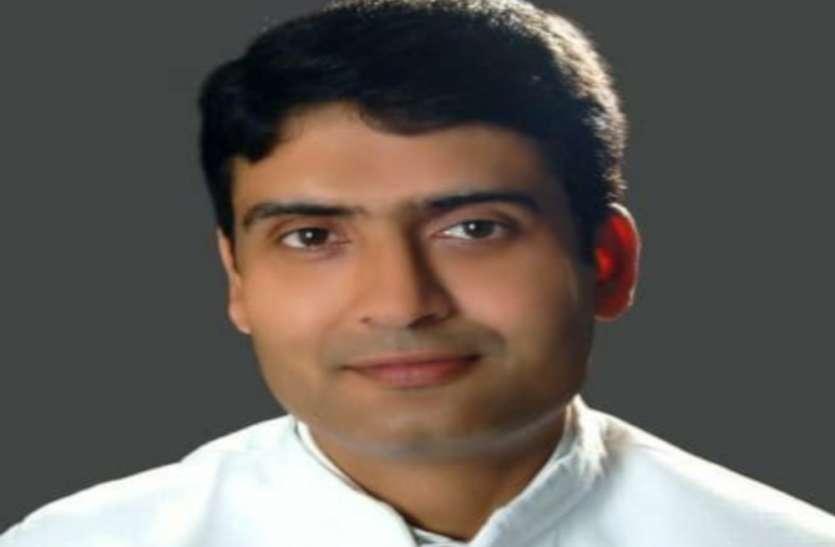 शिवराज के संपर्क में आए भाजपा नेताओं को कराएं 14 दिन क्वारंटाइन : कांग्रेस