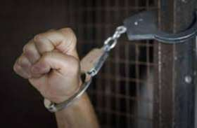 स्प्रीट से ब्रांडेड शराब बनाने वाले गिरोह का भंडाफोड़, सात सदस्य गिरफ्तार