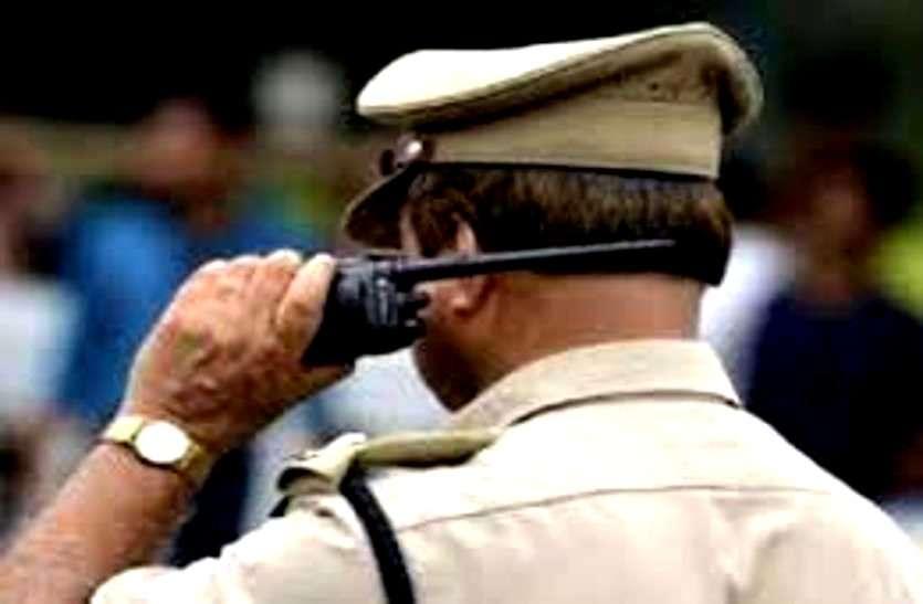 पिता ने पुलिस को फोन करके कहा, साहब मेरे बेटे ने एक युवक को चाकू मार दिया है, इसे गिरफ्तार करके ले जाओ