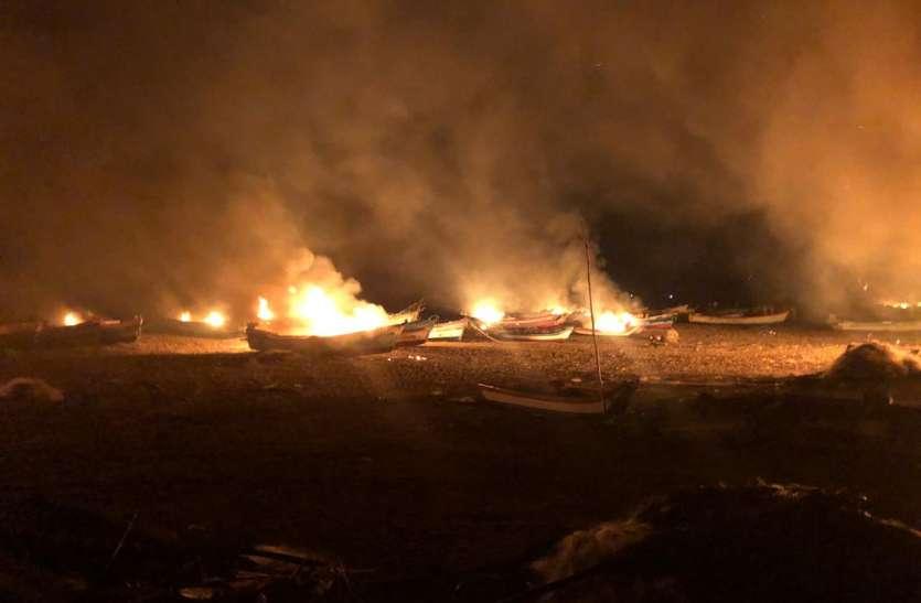 तमिलनाडु में हिंसक झड़प के बाद 43 लोग हिरासत में, 25 नावों और कई घरों में लगाई आग