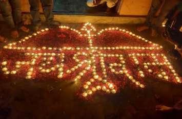 अयोध्या में राम मंदिर : अजमेर जिले में घर-घर झिलमिलाए दीये, आतिशबाजारी कर जताई खुशी