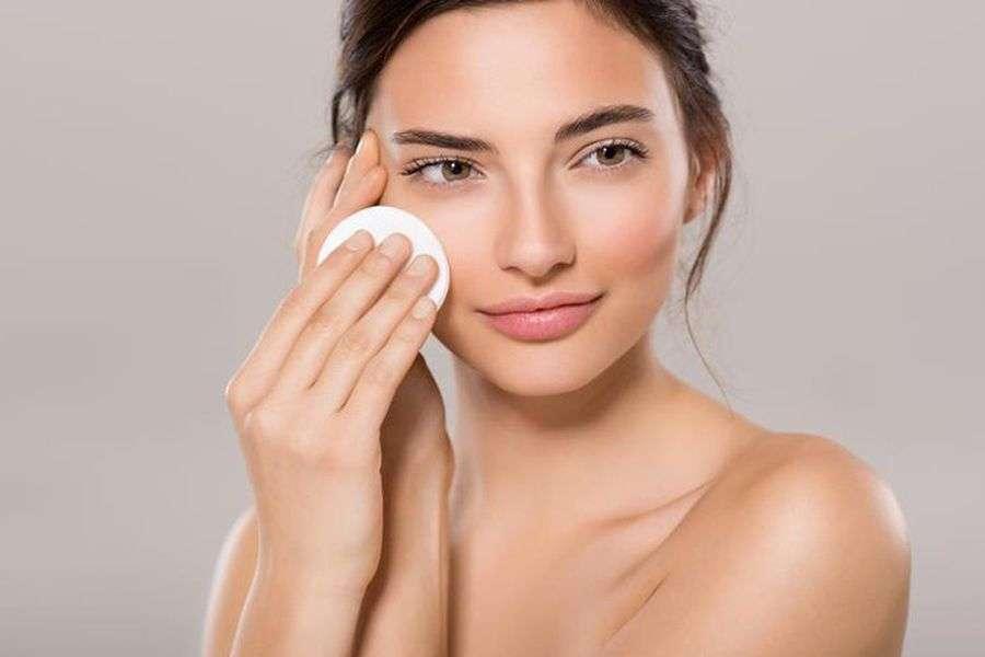 मॉनसून टिप्स: ऑयली त्वचा से छुटकारा पाने के लिए अपनाएं ये घरेलू उपाय