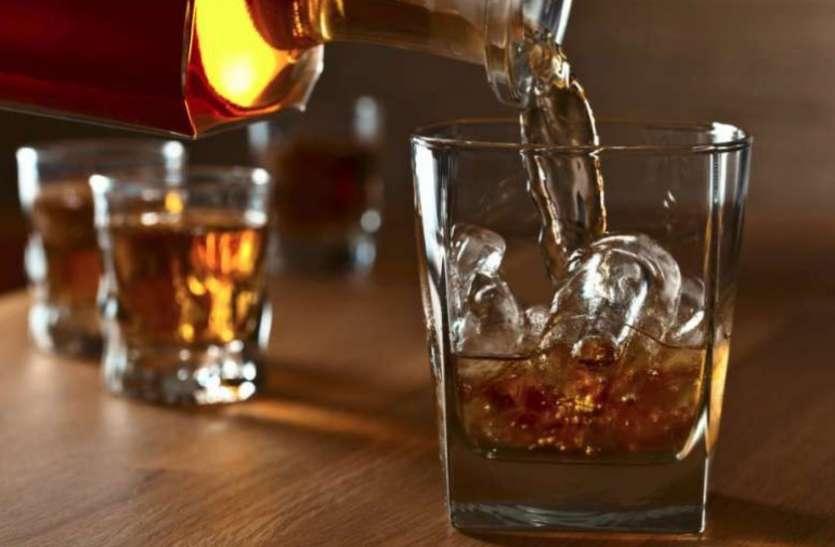 एमपी में शराब पर सियासत, मंत्री ने कहा-  MRP से ज्यादा कीमत में बेची तो ठेकेदार के खिलाफ होगी कार्रवाई