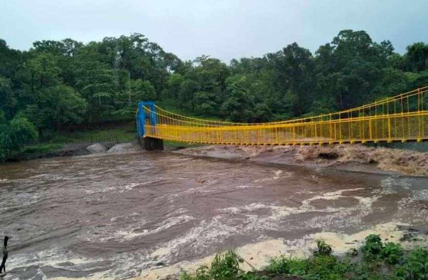 काकरापार और डोसवाड़ा ओवरफ्लो, 12 गांवों को अलर्ट