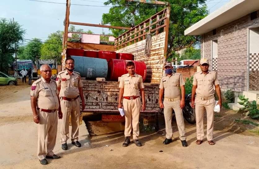 चालक ने दुर्घटना की साजिश रच टैंकर से तेल चोरी कर  खुर्द- बुर्द किया