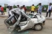 कार बनी कचूमर,फिर भी बच गई सबकी जान