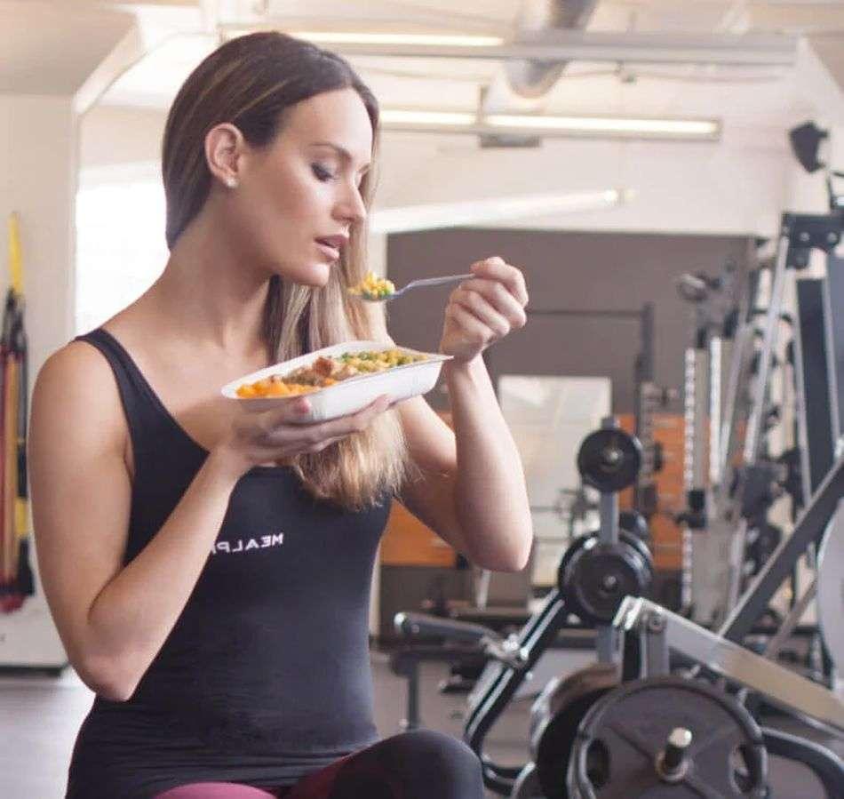 कोरोना काल में गंभीर रोगों से बचना चाहते हैं तो 'खाने का समय' तय कीजिए