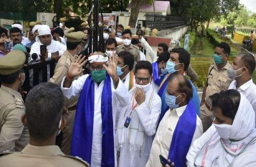 UP Politics : सत्यमेव जयते के बहाने जीत की जुगत में कांग्रेस, राह में रोड़ा बन रही बसपा और भीम आर्मी