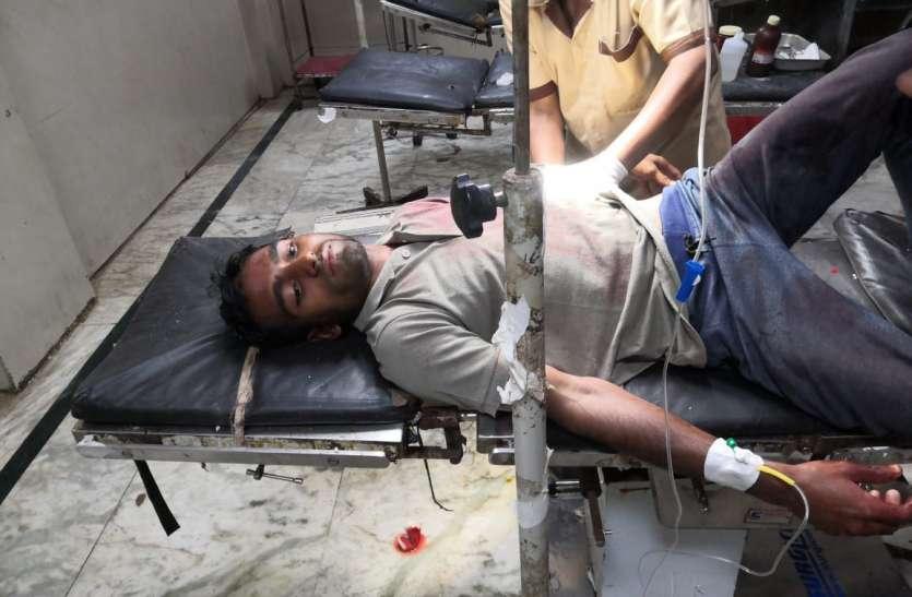 रेलवे गैंगमैन की कुल्हाड़ी से हत्या, सहकर्मी भी घायल