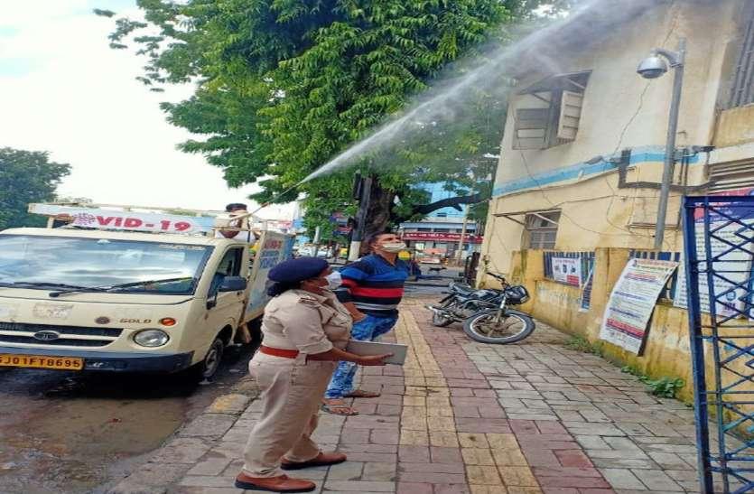 Gujaratr: गुजरात में कोरोना के नए 1197 मामले, 17 की मौत, संक्रमित मरीजों की संख्या 90 हजार पार