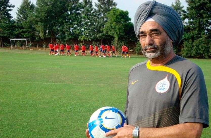 पूर्व फुटबॉल कोच Sukhwinder Singh को ध्यानचंद पुरस्कार मिलने पर दिग्गजों ने दी बधाई