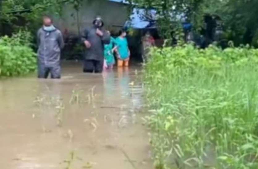 पूर्व प्रधानमंत्री के गांव भदेली में जलभराव की समस्या