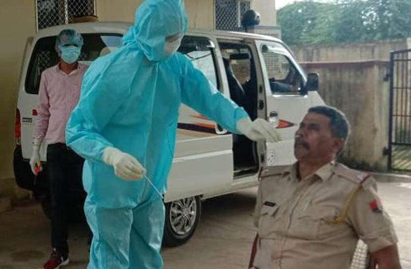 अलीगढ़ थाने में पुलिसकर्मी सहित छह कोरोना पॉजिटिव आए, एक सप्ताह में हुए 17 संक्रमित