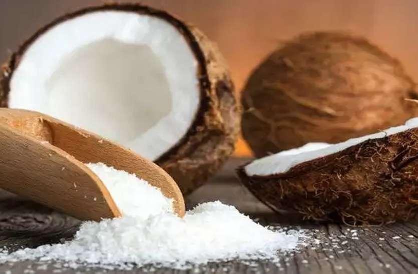 नारियल पानी हमारा सौंदर्य बढ़ाने में कैसे मददगार है, जानिए