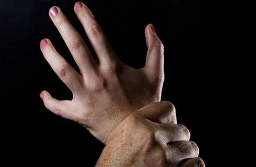 बीवी और बच्चों को नशीला पदार्थ पिलाकर साली से किया दुष्कर्म