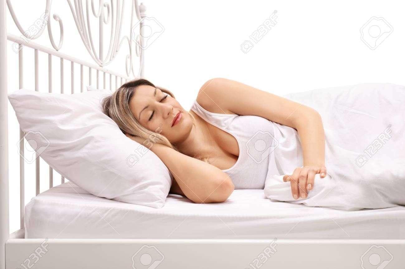 हैल्थ स्टडी: दिन में 1 घंटे से ज्यादा झपकी लेने वालों में अकस्मिक मौत का खतरा 30 फीसदी बढ़ जाता है
