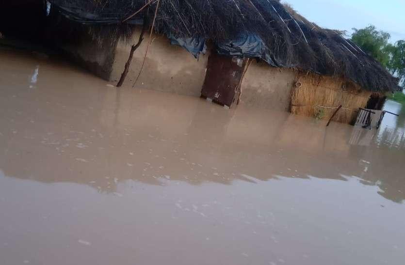 जैसलमेर में मूसलाधार बारिश, कई गांवों का सम्पर्क टूटा, कच्चे मकानों को क्षति