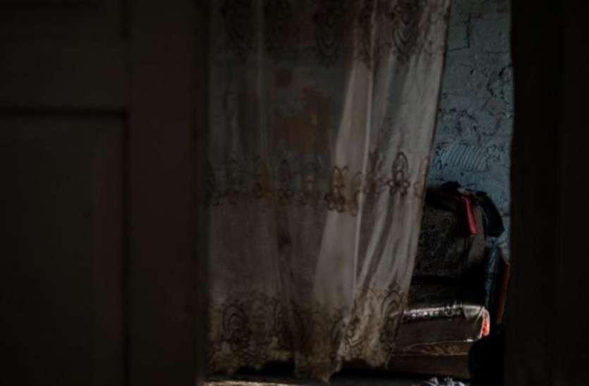 रात के अंधेरे में भाभी की कमरे में घुसा देवर, नहीं हुआ सफल तो निकाल दिया गैस सिलेंडर का पाइप
