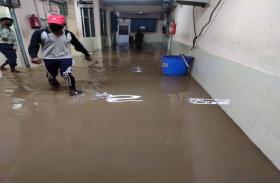 अस्पताल में भरा पानी, मरीजों की बढ़ी परेशानी, ऐसे लड़ेंगे Coronavirus से लड़ाई?