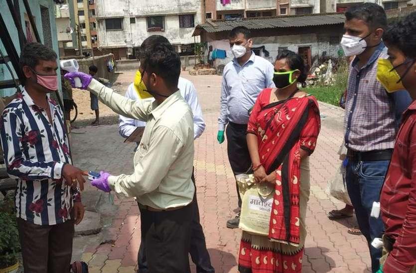 आरती इंडस्ट्रीज ने शुरू की श्रमिक बस्तियों में जांच