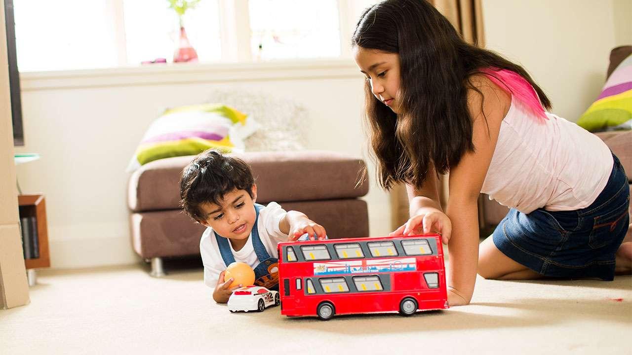 बच्चों की सेहत: सफलता के लिए पड़ोस का माहौल भी होता जिम्मेदार है