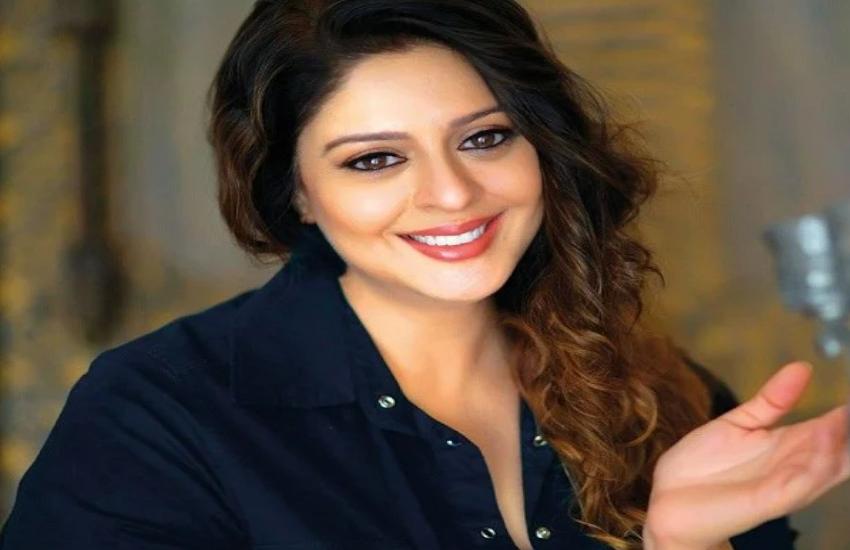 इस अभिनेत्री ने साधा कंगना रनोत पर निशाना, मुंबई पहुंचने से पहले किया ऐसा ट्वीट