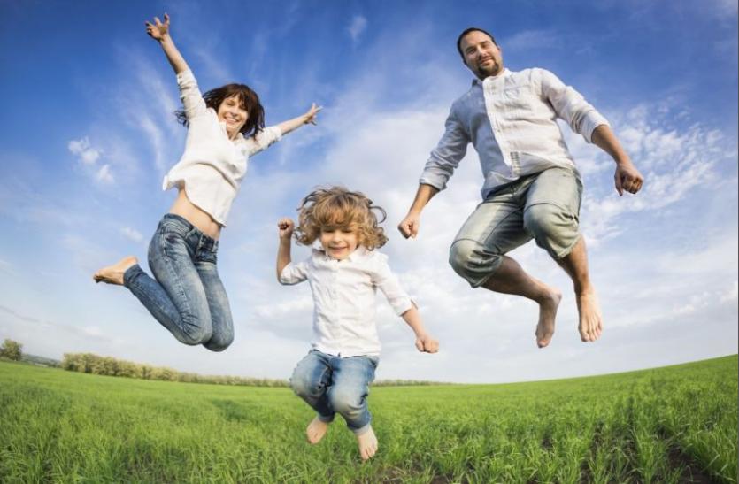 मन प्रसन्न हो तो सेहत भी अच्छी रहती है, खुश रहने के लिए ये सुझाव अपनाएं